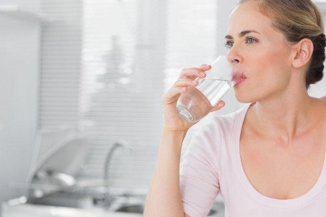 روز خود را با نوشیدن آب شروع کنید