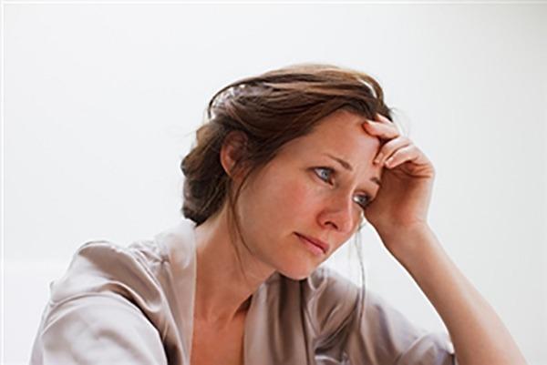 زنان افسردهتر از مردان