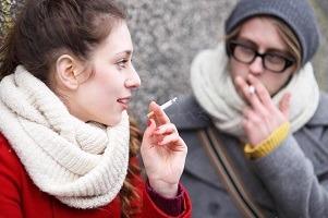 دخانیات بر زنان تاثیر بیشتری دارد یا مردان