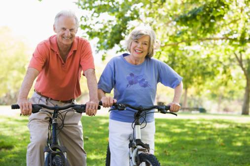 نتیجه تصویری برای ورزش و تحرک بدنی برای افراد بالای 65 سال
