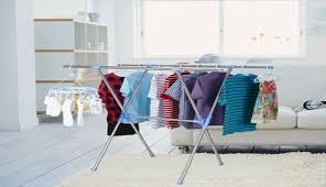خشک کردن لباس ها در خانه