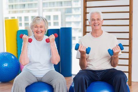 سالمندان ورزش را کنار نگذارند