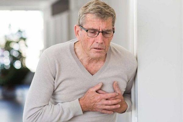درد قفسه سینه ای که ناشی از زخم معده است