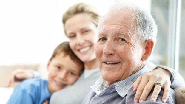 به افراد مسن توجه بیشتری کنید