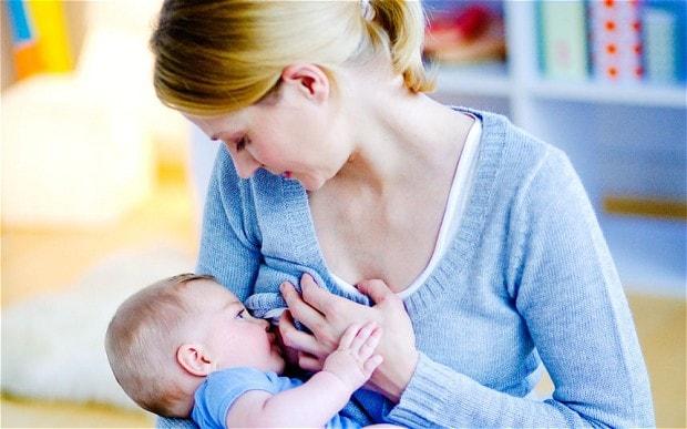 شیر مادر به تشخیص زودهنگام سرطان سینه کمک می کند