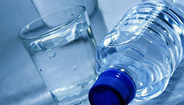 نوشیدن آب بیش از اندازه موجب مرگ می شود