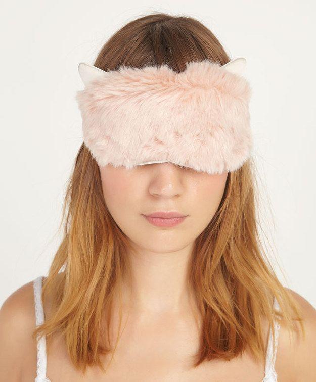 ۳ دلیل مهم برای استفاده از چشمبند خواب