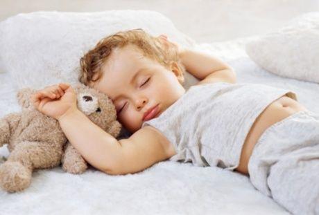 خرخر کودکان هنگام خواب را جدی بگیرید