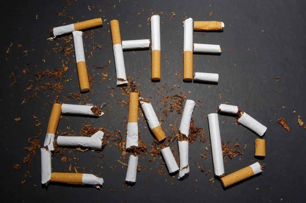 """""""سیگار"""" شایعترین عامل ابتلا به سرطان سر و گردن"""