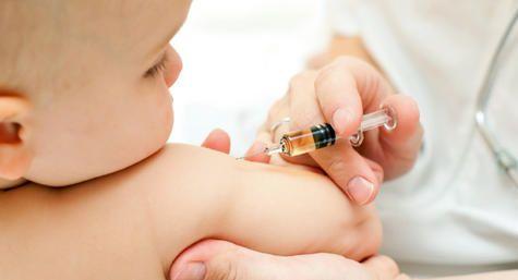 چگونه واکسیناسیون را برای نوزاد آسان کنیم؟