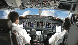 یک دهم خلبانان حرفه ای از افسردگی رنج می برند