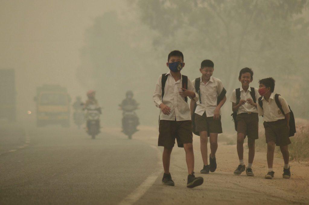 چرا کودکان در برابر آلودگی هوا آسیبپذیرند؟
