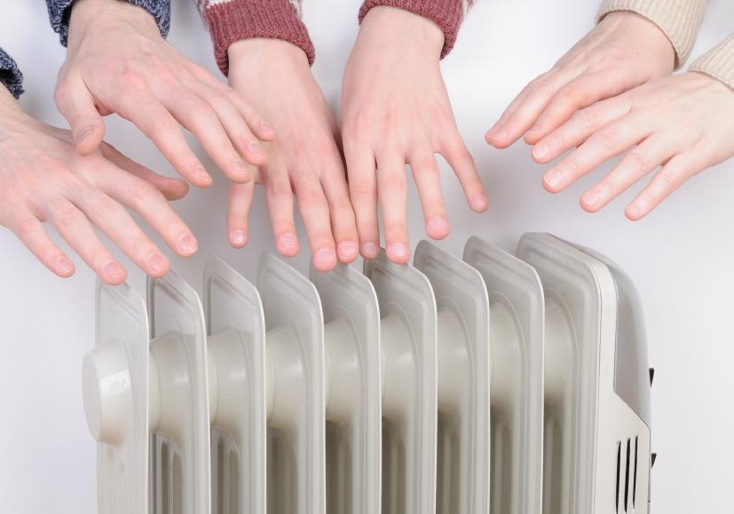 سردی دست ها نشانه چیست؟