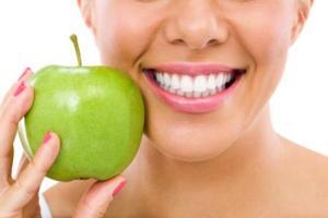 میوه ها و سبزیجات مفید برای دهان و دندان