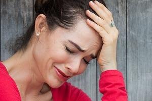 چرا قبل از گریه کردن حس میکنیم تودهای راه گلویمان را بسته است؟