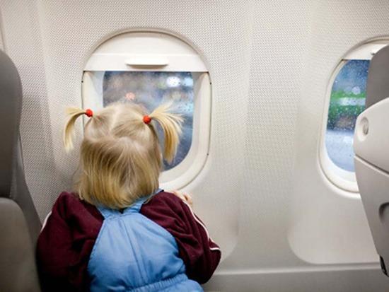 راههای مقابله با گوش درد نوزاد در هواپیما