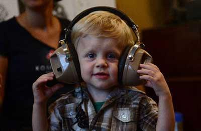 استرس شنیداری؛ موسیقی راک گوش ندهید!