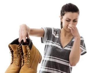 با خنک کننده کفش از بوی بد پا خداحافظی کنید!