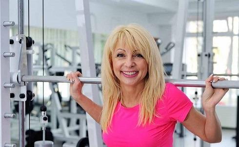 ورزش علائم یائسگی را کاهش می دهد