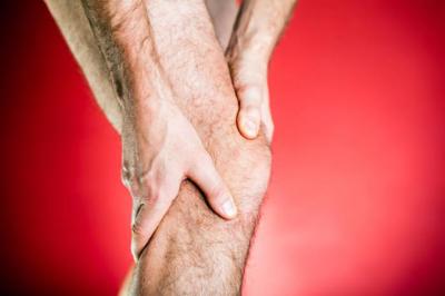 علل ، علائم و درمان قفل شدن زانو