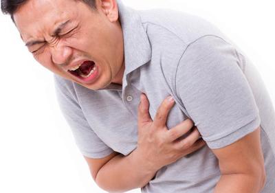 4 راه برای تشخیص بین حمله قلبی و حمله هراس