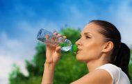 چه مقدار آب باید در طول روز بنوشید؟