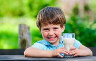 چرا خوردن شیر برای کودکان ضروریست؟